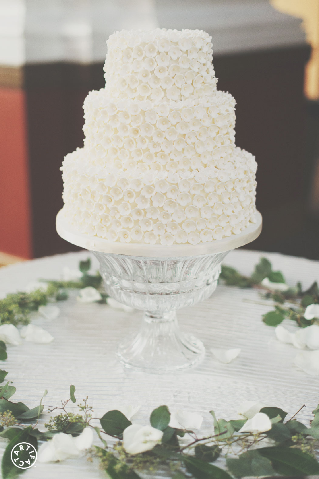 HOW TO MAKE YOUR OWN WEDDING CAKE - Artifact Girl